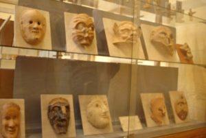 Terrakottamasken aus dem Heiligtum der Artemis Orthia im Museum von Sparta