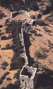 Messene - Teil der antiken Stadtmauer mit dem Arkadischen Tor