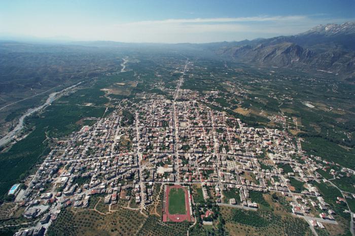 """Die moderne Stadt Sparta im """"hohlen Lakedaimon"""" (Quelle: wikimapia.org)"""